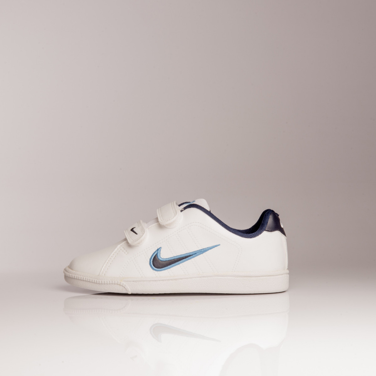 ZAPATILLAS NIKE COURT TRADITION PSV