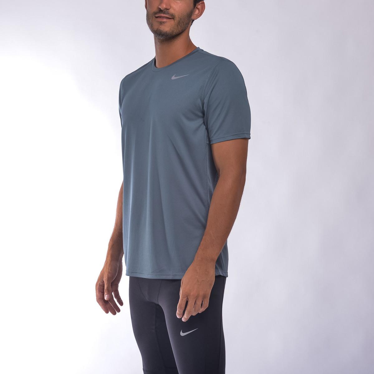 Remera Nike Racer