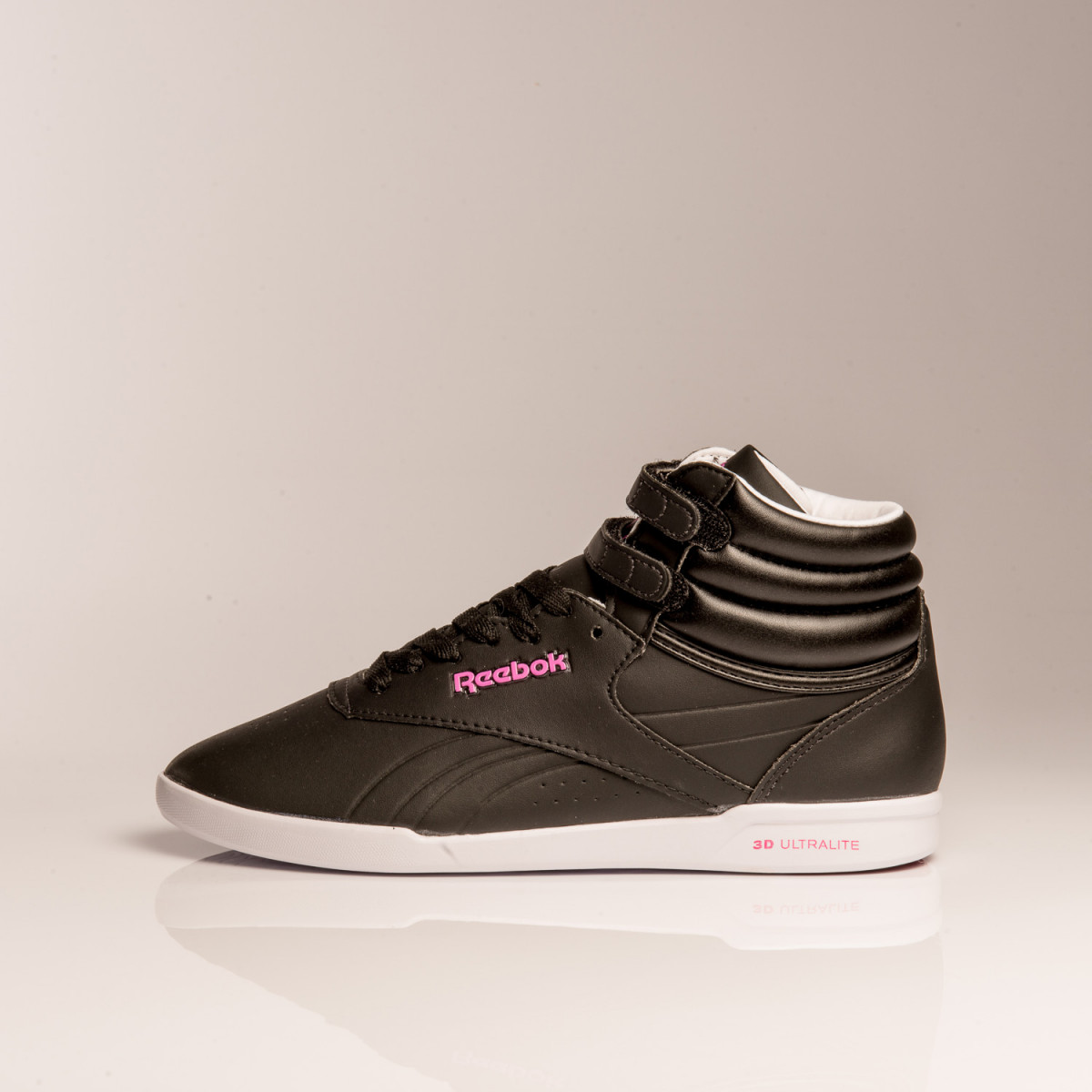 BOTAS REEBOK FREESTYLE ULTRALITE