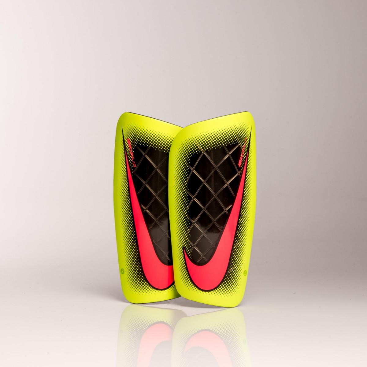 a7a070f7f3465 Canilleras Nike Mercurial Lite